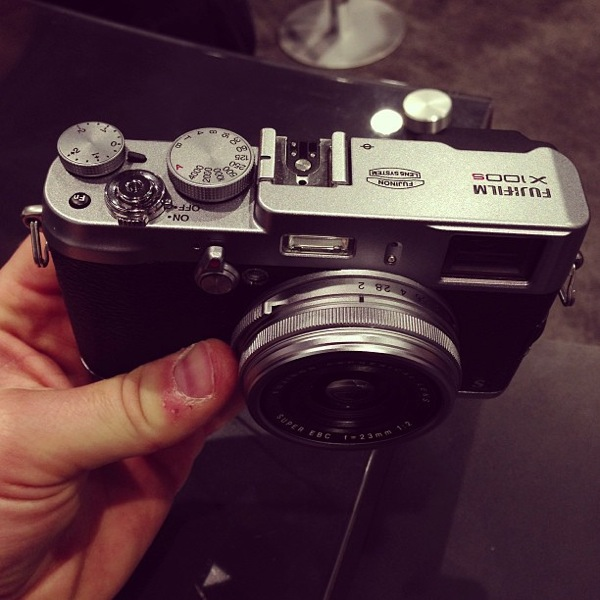 Fujix100s review, hands on, first impressions