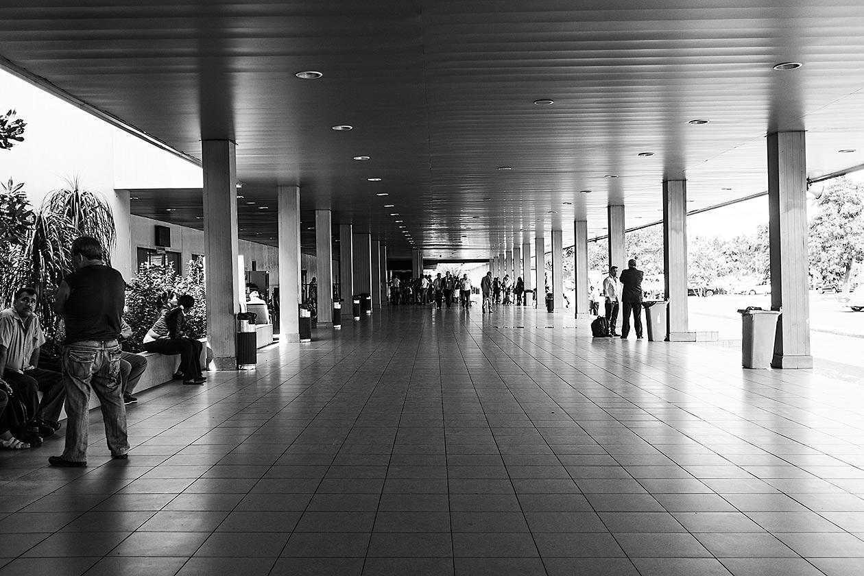 Fuji X100s, Cuba, Street Photography, Jose Marti Airport, Aeropuerto